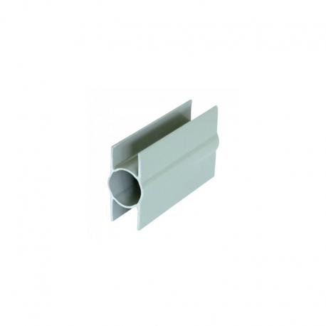Držák podhrabové desky průběžný, sloupek 48 mm, PVC