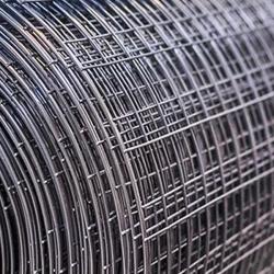 Svařované čtyřhranné pozinkované pletivo 10x10, průměr drátu 0,8 mm